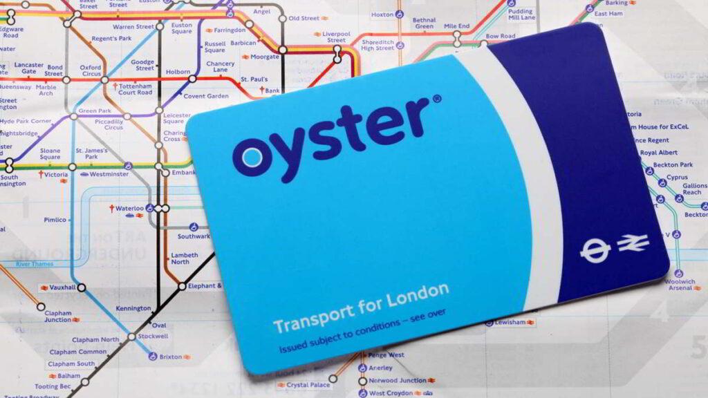 Oyster Card sobre plano del metro