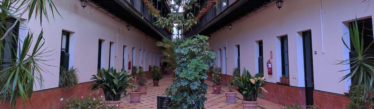 Apartahotel Patio de la Cartuja: Hotel en el centro de Sevilla