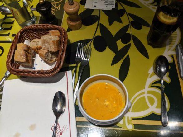 Comer en Disney París